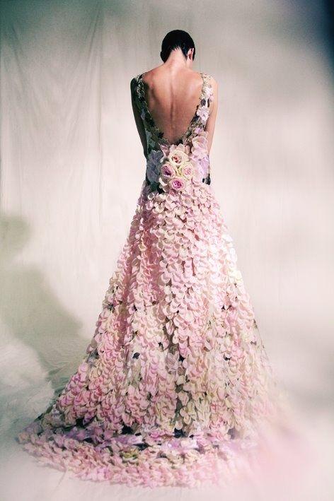 ♔ TatiTati Style ♔ ♛ Dress made of flowers.