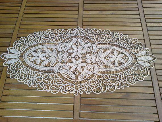 Tissu de Table traditionnels Macrame ovale par RomanianDecor