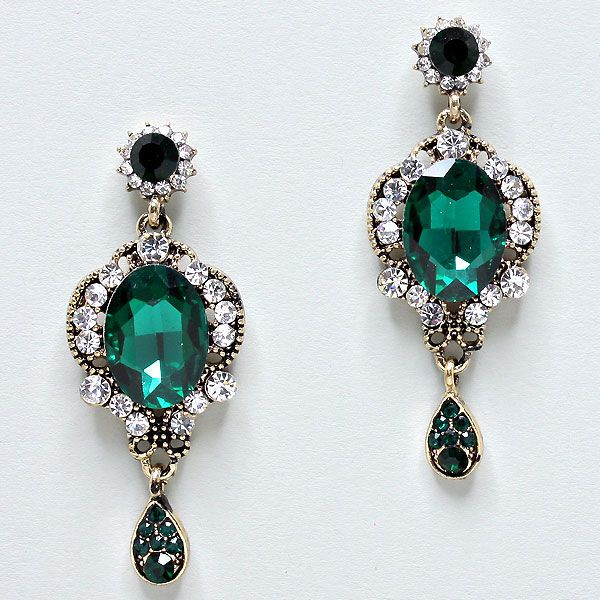 Sasha Earrings in Emerald