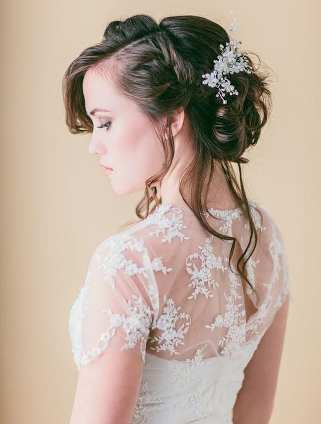 style | loose braided updo tutorial | via: green wedding shoes