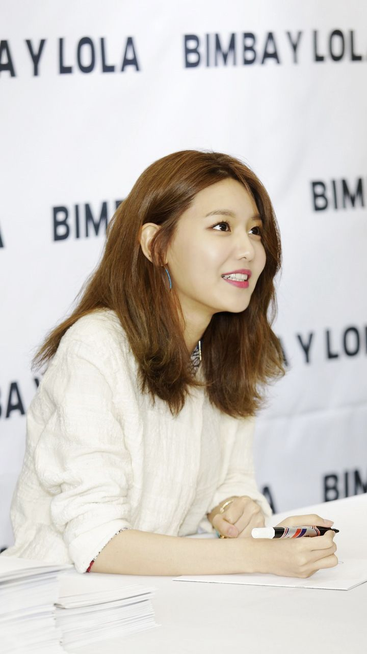 03.13.2017 Girls' Generation's Sooyoung at BIMBA Y LOLA Fan Sign Event | KStarPhotoNews