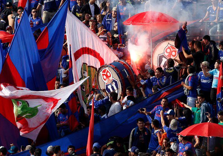 Banderazo Azul: La hinchada de la 'U' apoyó previo al Superclásico