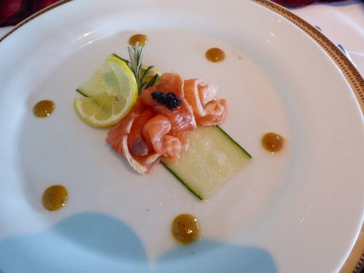 Gala - Single Malt Whisky gebeizter Lachs mit Pommery Senf-Honig-Sauce