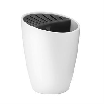 Give your kitchen an organized look with the Organise knife and utensil holder from RigTig by Stelton. The holder is designed by Klaus Rath and is made of stoneware and plastic and is easy to clean by hand or in the dishwasher. Put your knives and utensils you often use in the holder and place it on the kitchen counter as a stylish and functional detail!