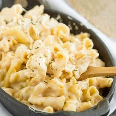 Copycat Cracker Barrel Restaurant Mac and Cheese Recipe is buttery, creamy, over-the-top delicious comfort food, and always a crowd-pleaser.