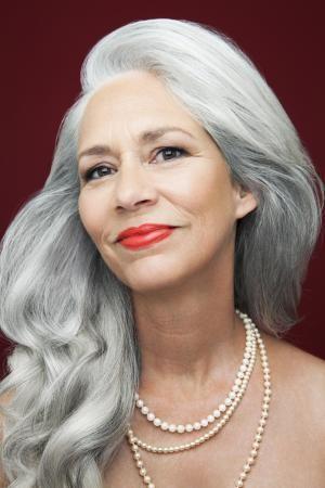 6 Youth Enhancing Lipstick Tips For Older Women Makeup