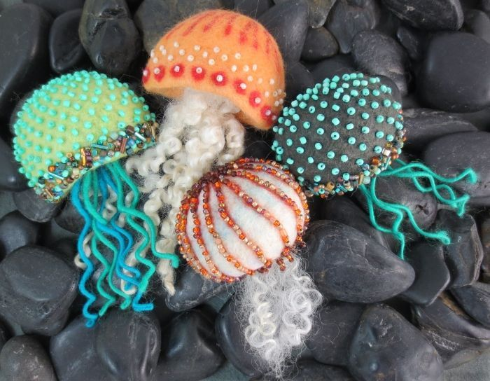 Jellyfish Brooches with Jeanne Harlan-Marriott #craftartedu