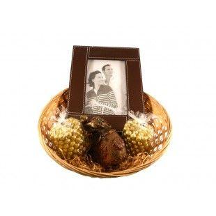 Cos cadou Chic lady - http://livediva.ro/cadouri-online/Secret-Santa-cadouri-pentru-colegi