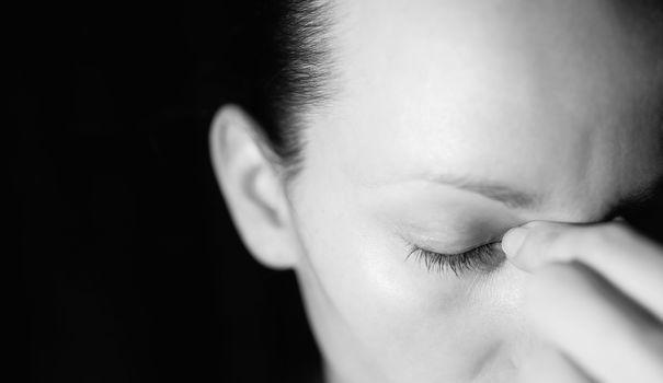 Comment détecter les signes d'une dépression nerveuse? Qu'est-ce qui la différencie d'un petit coup de blues ou d'un simple passage à vide? Le point sur les symptômes qui doivent vous alerter.