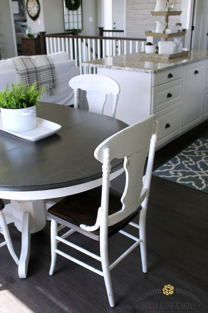 Gray kitchen table Two Tone Farmhouse Style Painted Kitchen Table And Chairs Makeover Neutral Decor And Spaces Pinterest Farmhouse Kitchen Tables Painted Kitchen Tables And Pinterest Farmhouse Style Painted Kitchen Table And Chairs Makeover Neutral