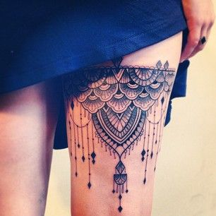 Thigh tattoo: garter/chandelier style. I thought this would look ...