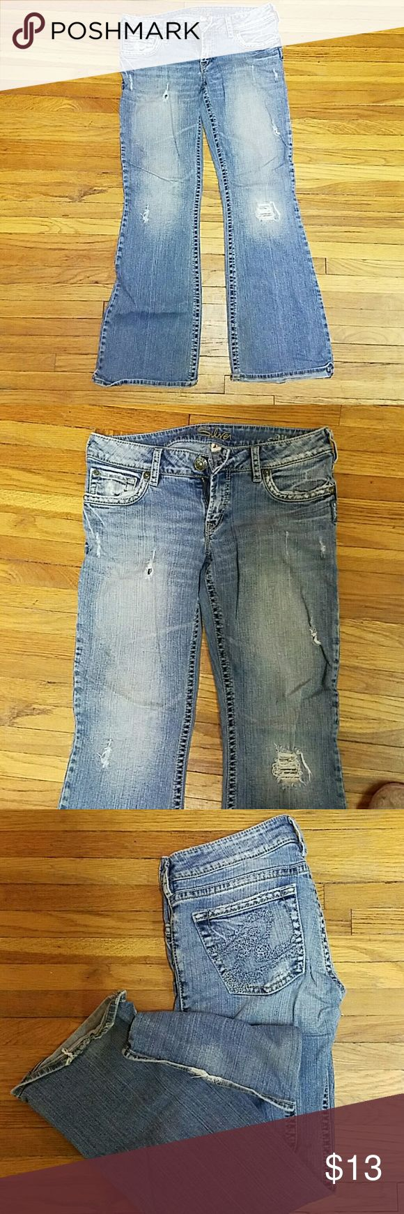Silver jeans Womens silver jeans, slightly distressed. Slight wear to hems (see pic). Aiko 29/31 Silver Jeans Jeans Boot Cut