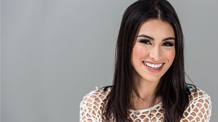 Ashley Iaconetti of The #Bachelor Tells All About Winning The #IMATS Model Search. #modeling #modelcall