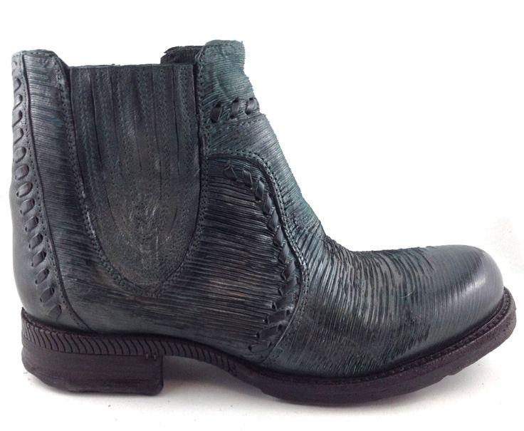A.S.98 520219  http://www.traxxfootwear.ca/catalog/6440176/as98-520219