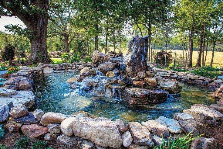 Естественный сад с фонтаном - родником