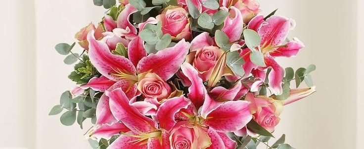 Klassiek rozen en lelie boeket