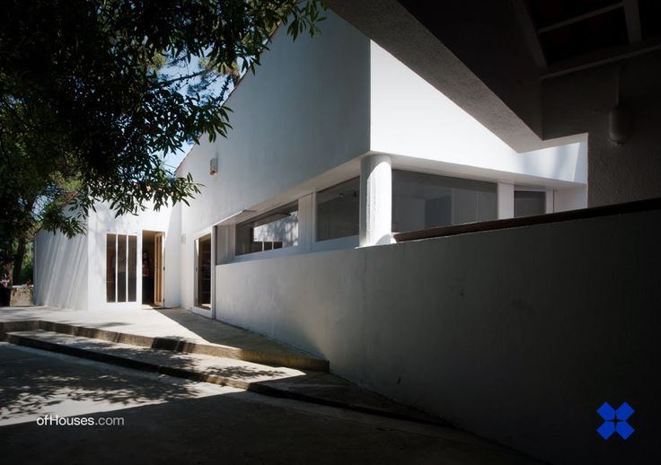 138. Alvaro Siza /// Alves Costa House /// Moledo do Minho, Caminha, Portugal /// 1973 OfHouses gust curated by Fala atelier. (Pictures 1-4 selected by Fala, plans redrawn by Fala, pictures 5-7...