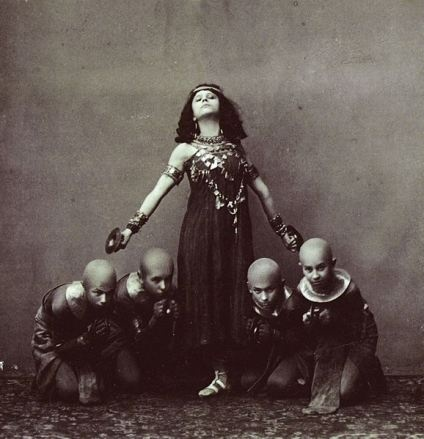 """""""Photo of the ballerina Sofia Fedorova (1879-1963) costumed as the slave Hita with unidentified children in the choreographer Alexander Gorsky's (1871-1924) revival of the choreographer Marius Petipa (1818-1910) and the composer Cesare Pugni's (1902-1870) ballet The Pharaoh's Daughter.""""Marius Petipa, Cesar Pugni, Fedorova 1879 1963, Vintage Ballerinas, Dance History, Ballerinas Sofia, Alexander Gorsky, Pugni 1902 1870, Sofia Fedorova"""