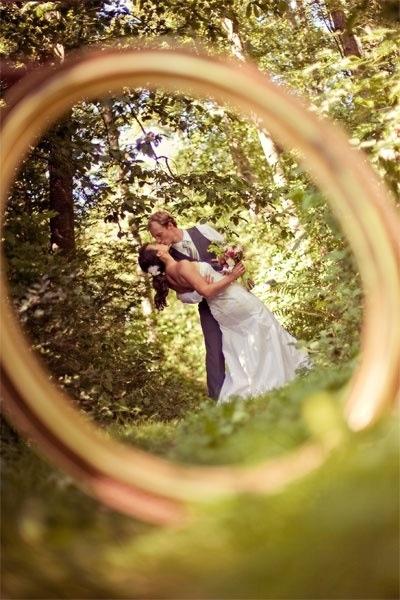 interesting yet beautiful wedding shot♥