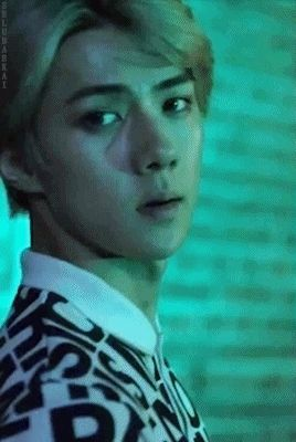 Can you imagine Sehun looking at you like this. It's like you walked into a club looking your best ever and he's just blown away because you're literally glowing. Like wow let me dream of this for a few days, thanks