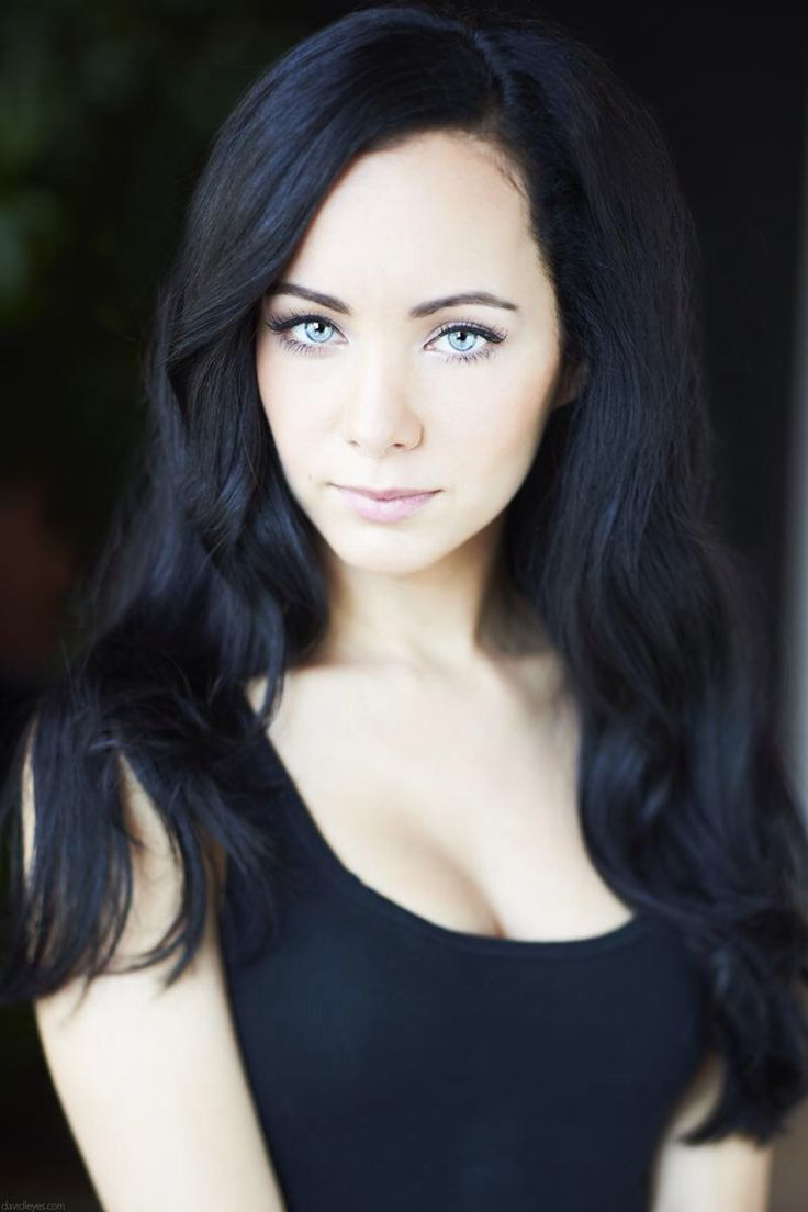 Celebrities With Black Hair And Green Eyes Hairstyles Model Hairstyles Model Black Hair Celebrities Actresses With Brown Hair Brunette Blue Eyes