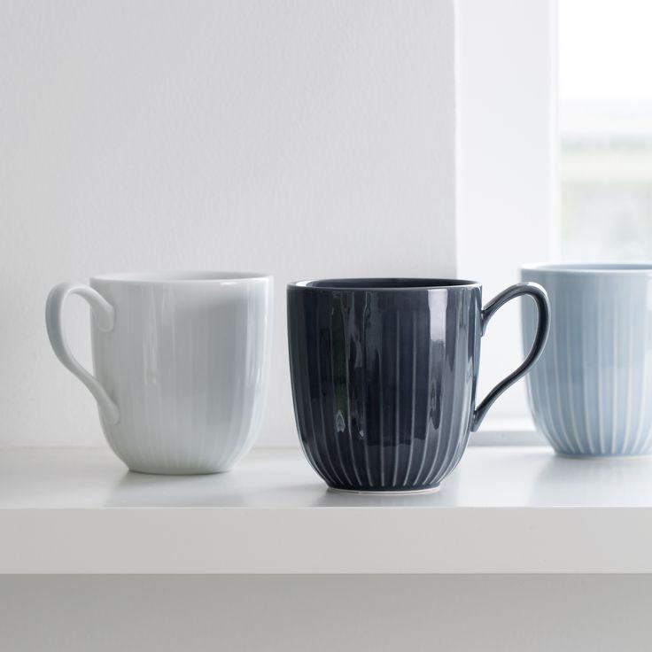 Se den antracitgrå Hammershøi-kop med hank fra Kähler Design her