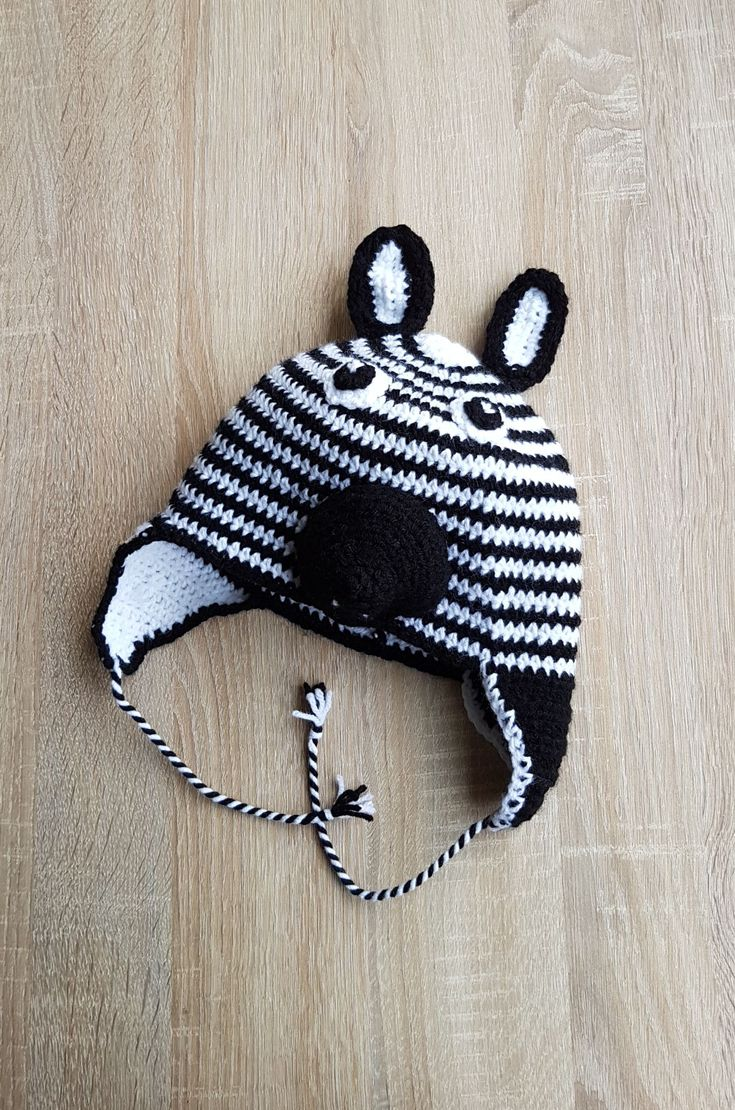 10 Caciulita Zebra caciula crosetata stoc fes cu urechi copii copil alb negru neagra Kiko