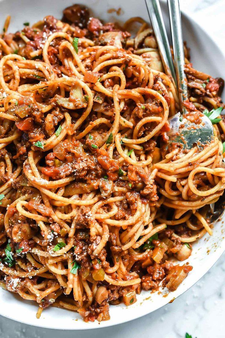My Mom's Easy Homemade Spaghetti and Meat Sauce | foodiecrush.com #spaghetti #meat #sauce #bolognese #pasta #recipe