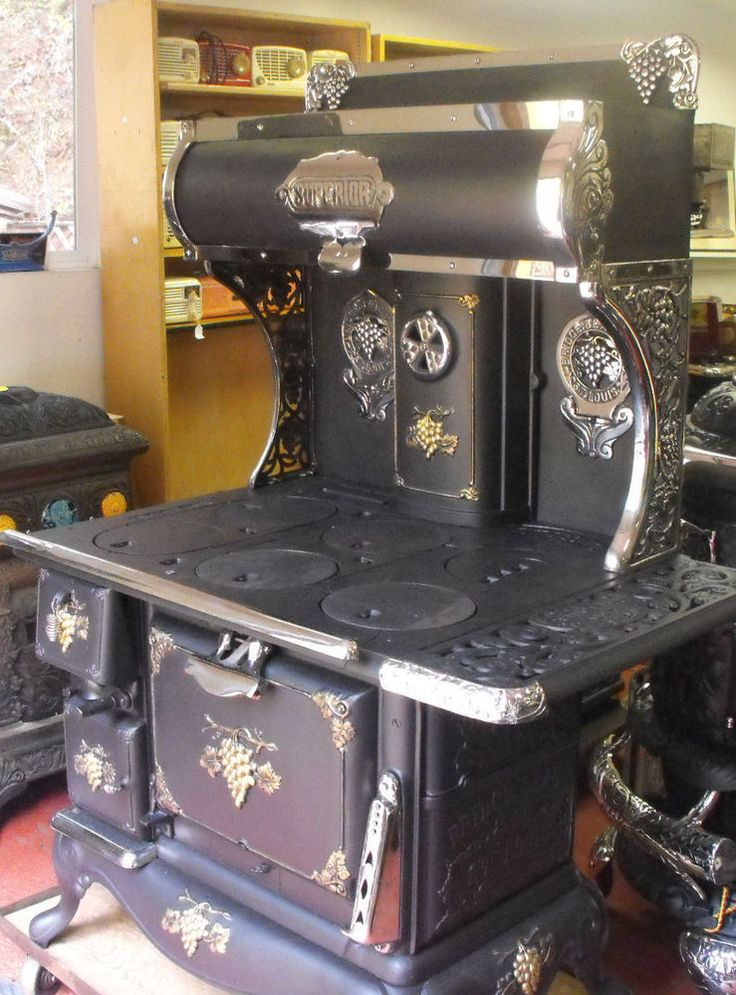 Bridge and Beach Antique Cook Stove 1910 I'm in love - most beautiful stove I have ever seen!