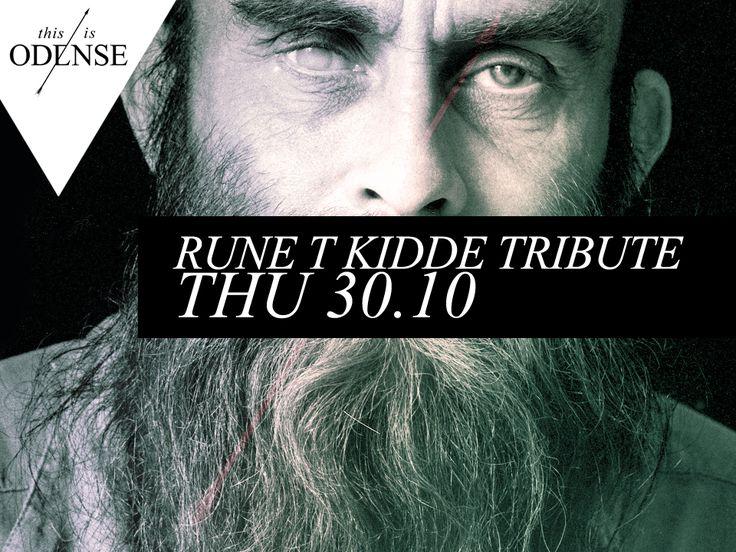 Rune T. Kidde in memoriam. #SpilDanskDagen på #Musikbiblioteket. #SteenT #SwingPoets #spildansk #runetkidde #spildansk #odense #thisisodense #mitodense #mitaftryk #odensemusikbibliotek Læs anbefalingen på: www.thisisodense.dk/15263/rune-t-kidde-tribute