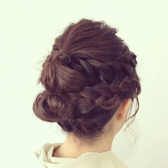 本日ヘアセットでご来店のお客様 編み込みロープ編みを組み合わせてセットさせて頂きました ご来店ありがとうございましたまた機会があれば来てくださいね()/鈴木 #creer_for_hair #美容室 #鹿児島美容室 #鴨池美容室 #hair #hairstyle #hairarrange #instahair #beauty #fashion #結婚式 #ヘアアレンジ #ヘアセット