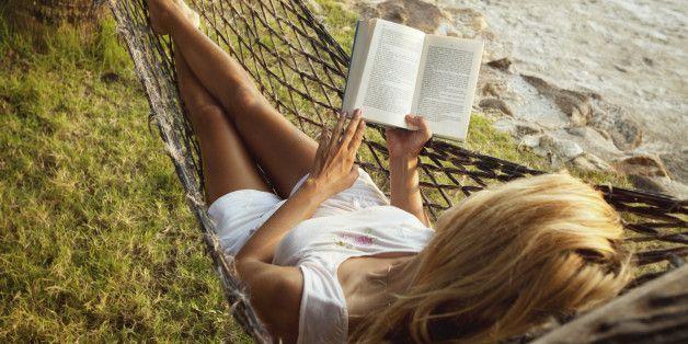 Τις γυναίκες κατά κύριο λόγο μας τραβάει ένα βιβλίο όταν έχει έντονα το ερωτικό στοιχείο μέσα.