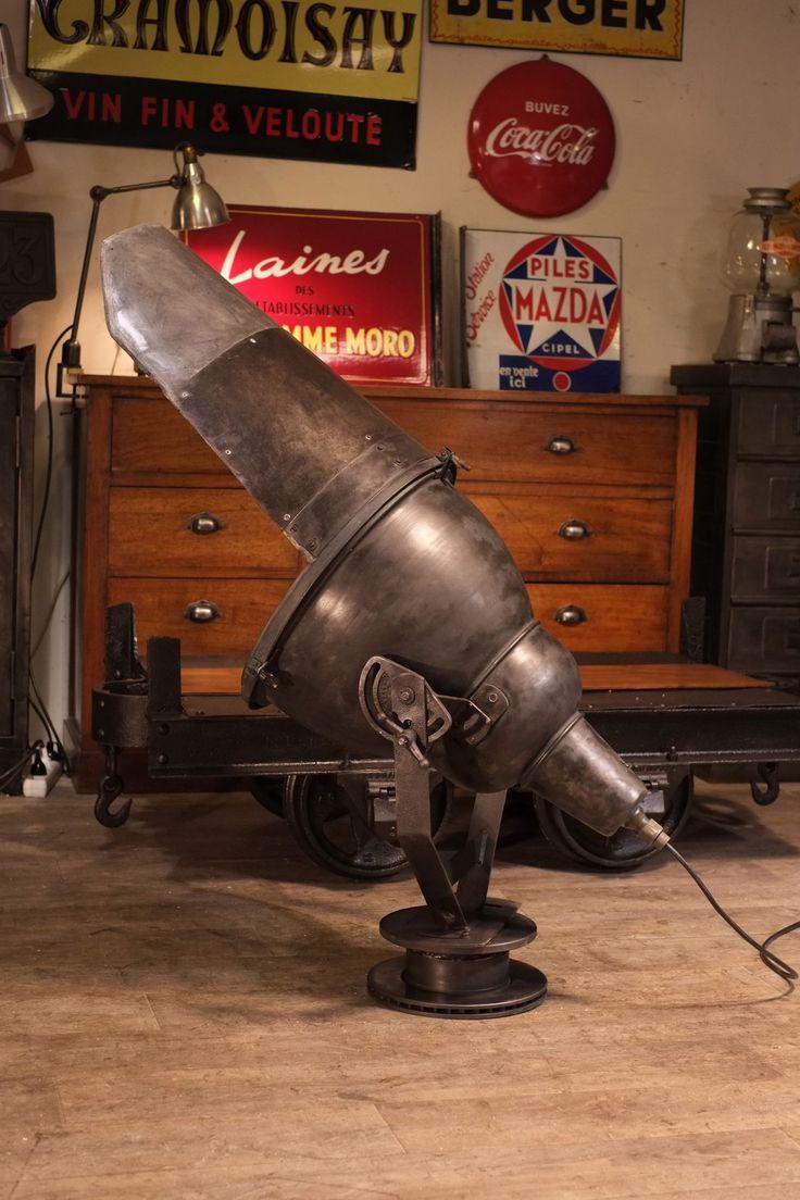 norme projecteur sncf ancien lampe tuyaux pinterest projecteur ancien et industriel. Black Bedroom Furniture Sets. Home Design Ideas