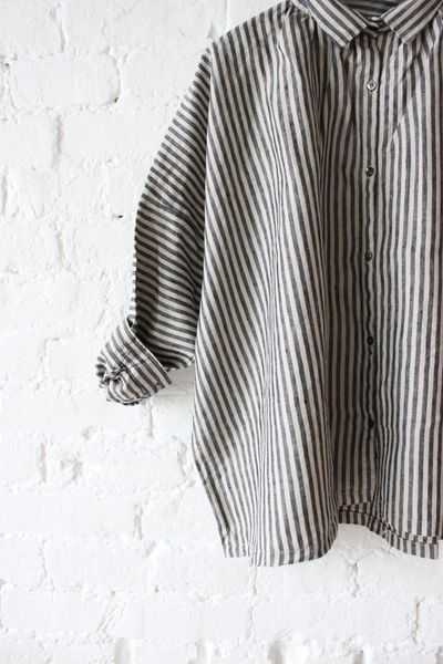 black striped casual shirt | curated by ajaedmond.com | capsule wardrobe | minimal chic | minimalist style | minimalist fashion | minimalist wardrobe | back to basics fashion