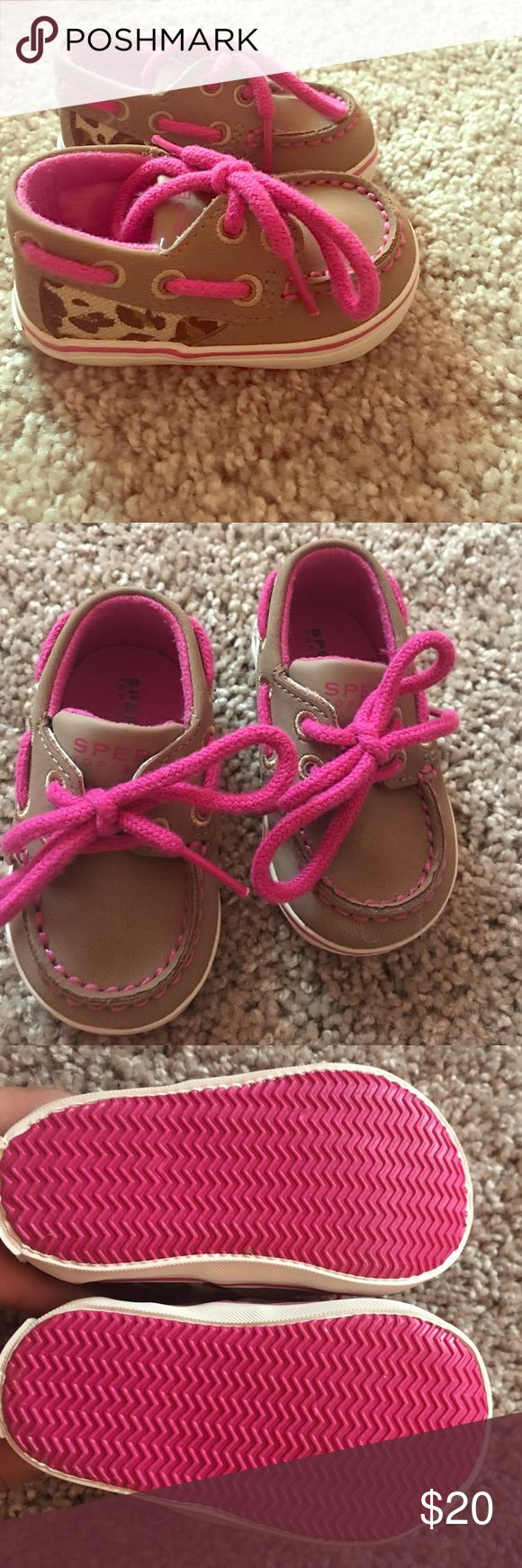 Baby Girl Sperrys BNWOT. never worn. for babies age 6wks-3months. Sperry Top-Sider Shoes