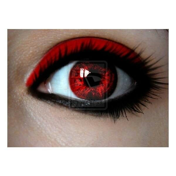 Cool eye makeup and colored lenses