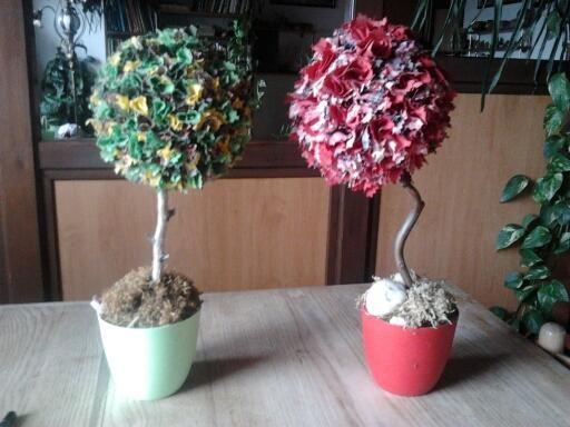 Dekorace - vyrobeno z malých kousků různobarevných látek
