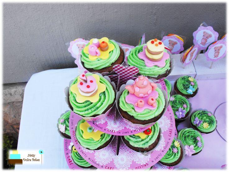 Teddy bear picnic themed cupcakes