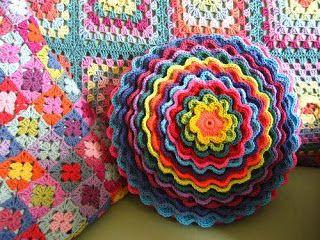 Tina's handicraft : Blooming Flower Cushion