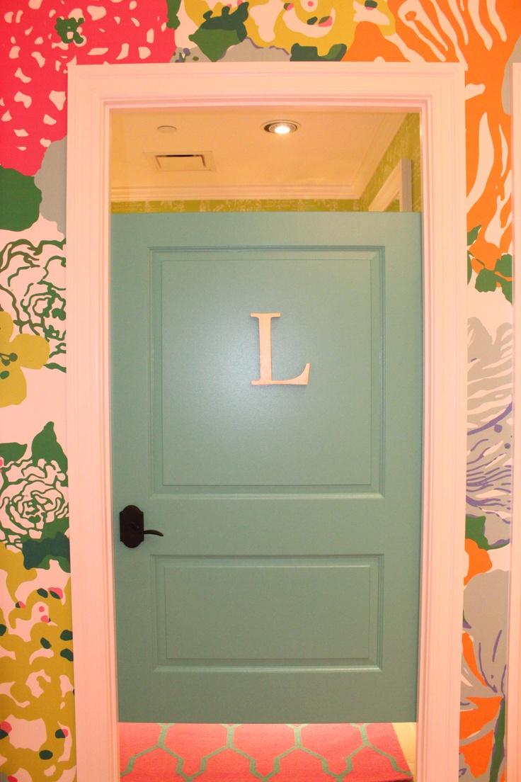 134 best lilly pulitzer inspired decor images on pinterest lilly dressing room door at lilly pulitzer kenwood replicating lily s actual front door in palm beach