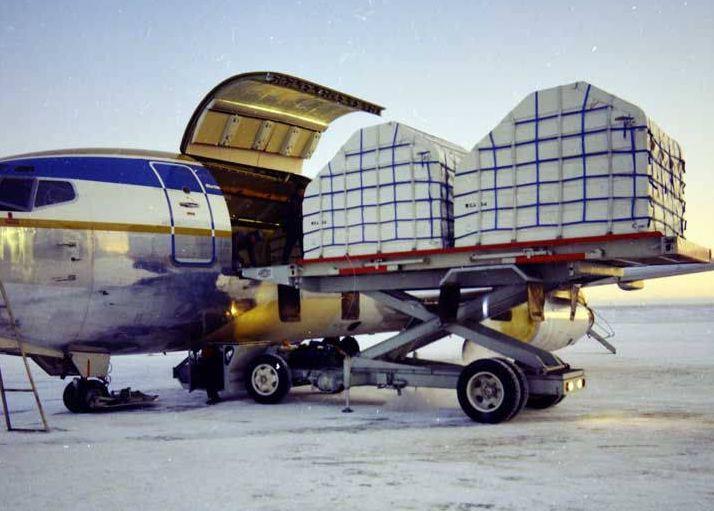 Wien Air Alaska 737 being loaded. Explore Alaska! A Natural and Cultural History: Module VI D Aviation in Alaska