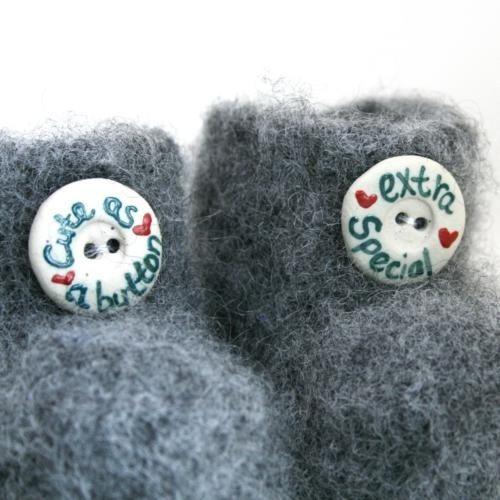 Cute as a button - grå babytøfler (0-6 mnd)
