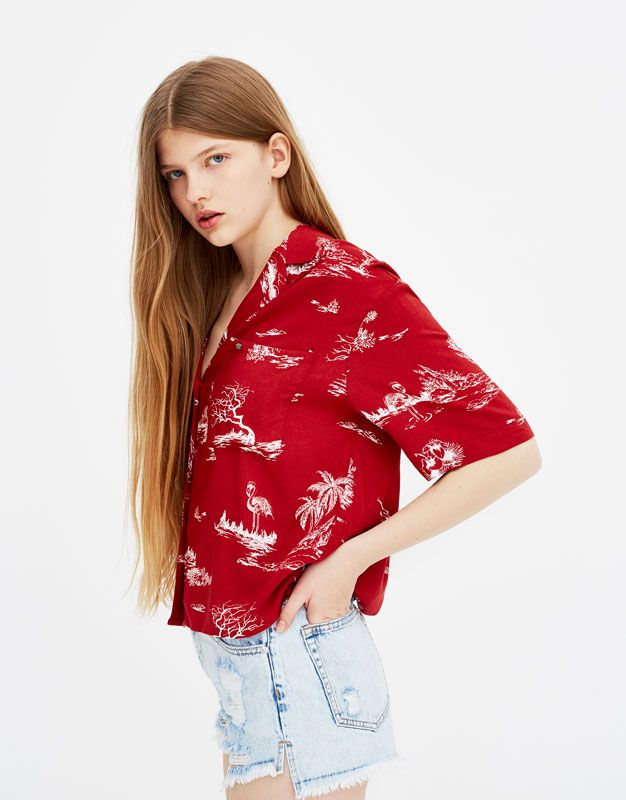 b769cdb5d5ec4 Camisa de manga corta hawaiana - Blusas y camisas - Ropa - Mujer - PULL BEAR  España