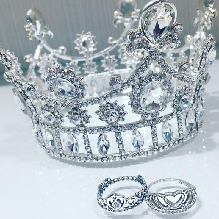 """206 Likes, 1 Comments - Pandora Pen Centre (@pandorapencentre) on Instagram: """"Treat the princess in your life to one our beautiful Crown rings 👑✨ #pandora #pandorapencentre…"""""""
