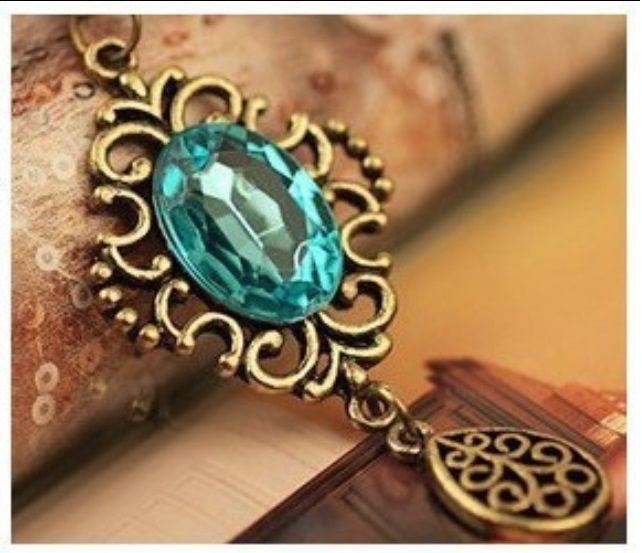 Costume Jewellery. A wide range of quality costume pieces available at an affordable price. Shonz Fashion
