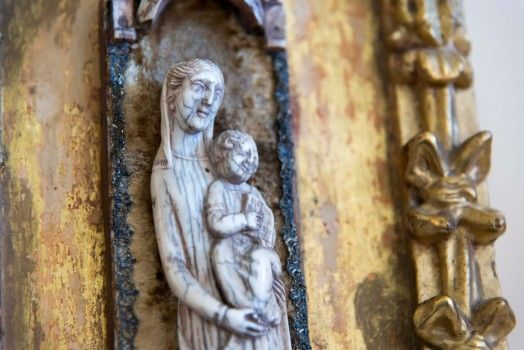 Scultura in avorio del 1400.