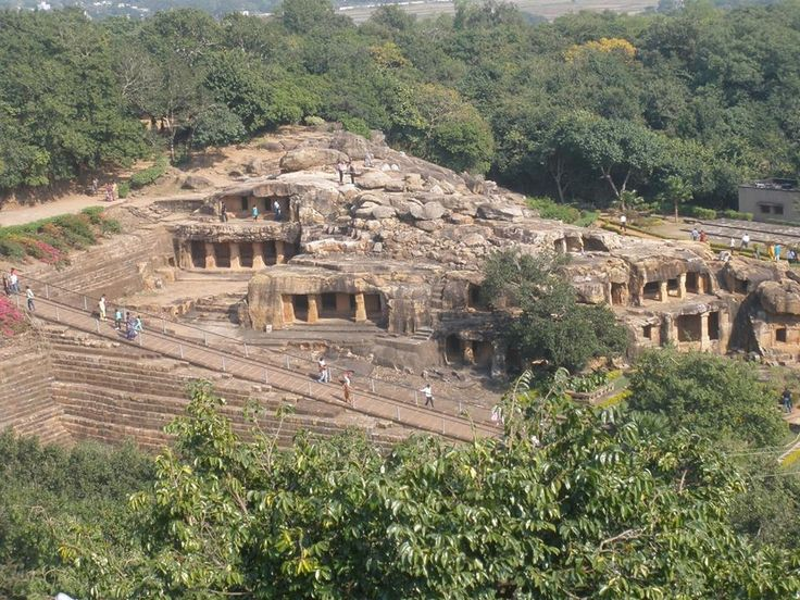#Dhaulihill (9 Kilometer from #Bhubaneshwar) holds the distinction of being the place where Emperor Ashoka renounced war and embraced Buddhism.