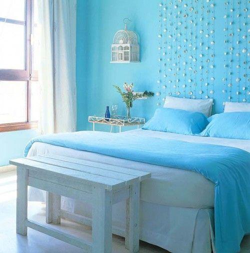ngin tidur lebih nyenyak? Selain dengan makanan atau minuman ada hal lain yang bisa Anda coba.  Coba saja mengecat tembok kamar Anda dengan warna biru.  Cahaya dan warna kamar tidur berdampak pada kualitas dan kuantitas tidur setiap malam.  Survei yang dilakukan oleh sebuah situs perhotelan menemukan bahwa warna biru sebagai cat tembok yang paling menenangkan.  Aplikasi warna biru pada kamar tidur akan perasaan lebih tenang, memperlambat denyut jantung dan mengurangi tekanan darah.
