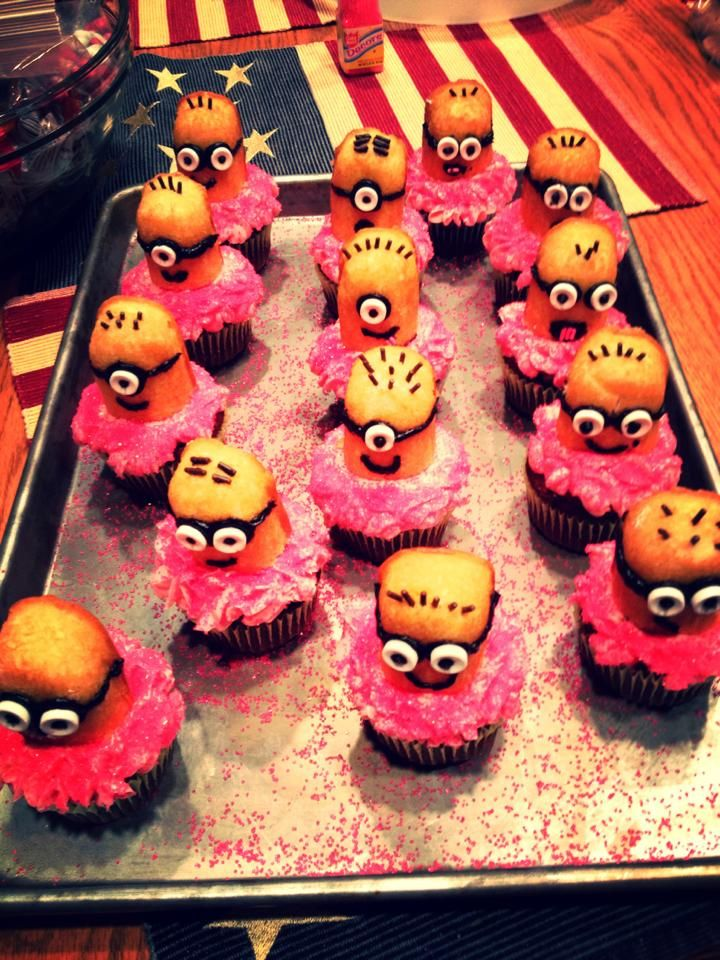Minions cupcakes  @Sarah Williams  , birthday idea for Isaac?!?