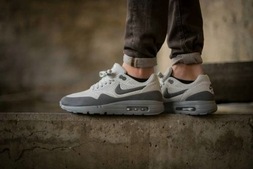 best sneakers d74e6 deaca Authentic NIke Air Max 1 Ultra Moire Neutral Grey Dark Grey On Feet Nike  Air Max 1 On Line